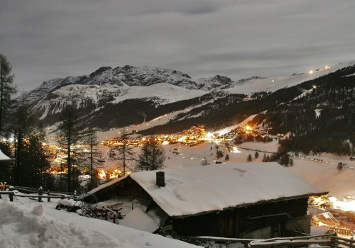 Snowmobile trip and typical dinner in Livigno
